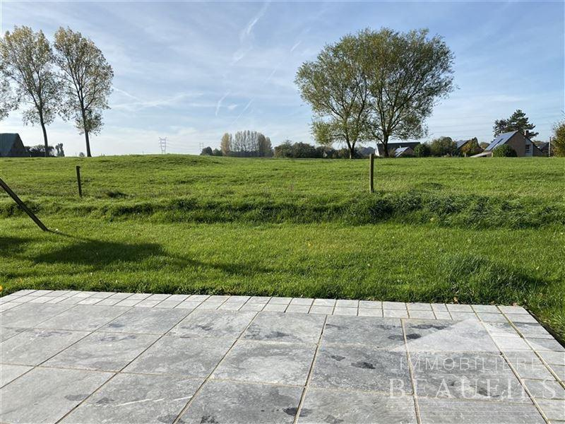 Image 2 : Maison à 1400 NIVELLES (Belgique) - Prix 1.400 €