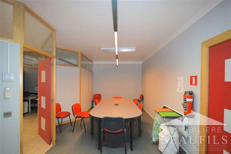 Image 3 : COMMERCIAL à 1400 NIVELLES (Belgique) - Prix 1.150 €