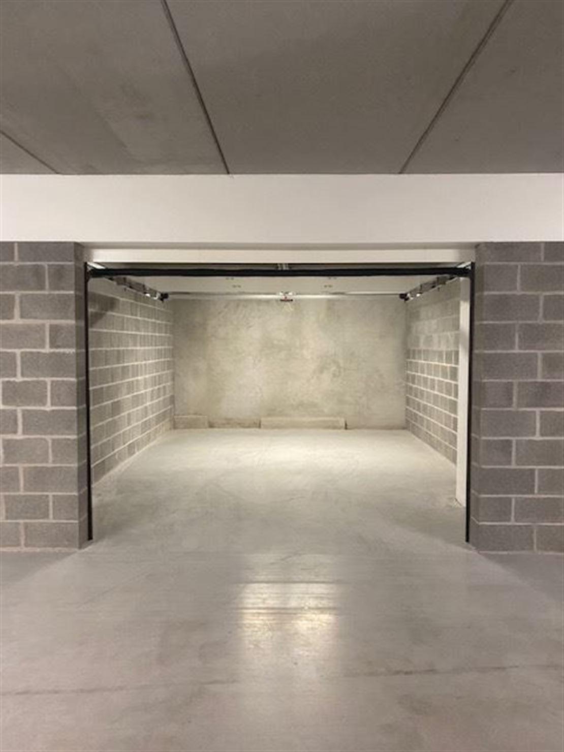 Magnifique garage individuel sur Mouscron