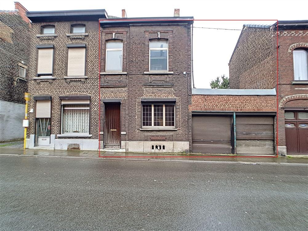 Image 1 : Immeuble unifamilial à 6040 JUMET (Belgique) - Prix 80.000 €