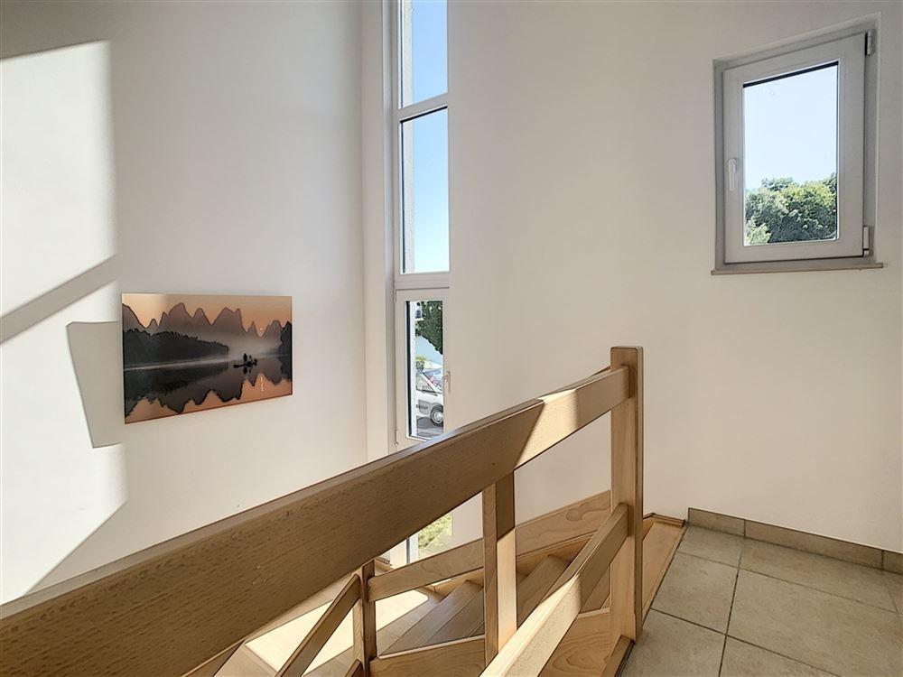 Image 8 : Maison à 1400 NIVELLES (Belgique) - Prix 1.450 €