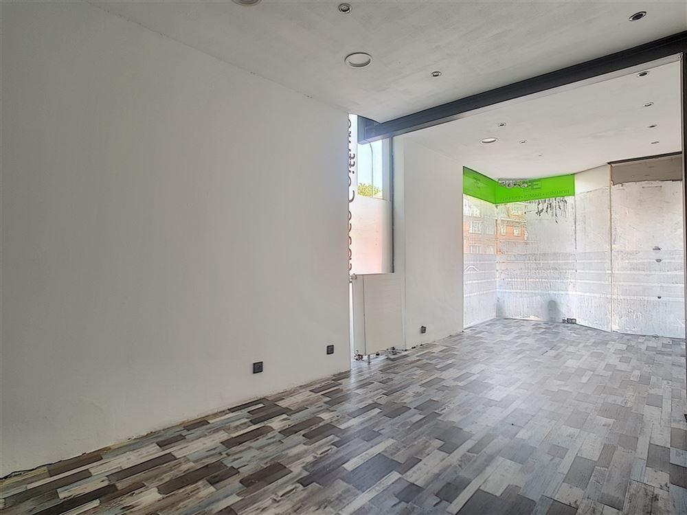 Image 2 : Immeuble commercial à 1410 WATERLOO (Belgique) - Prix 370.000 €