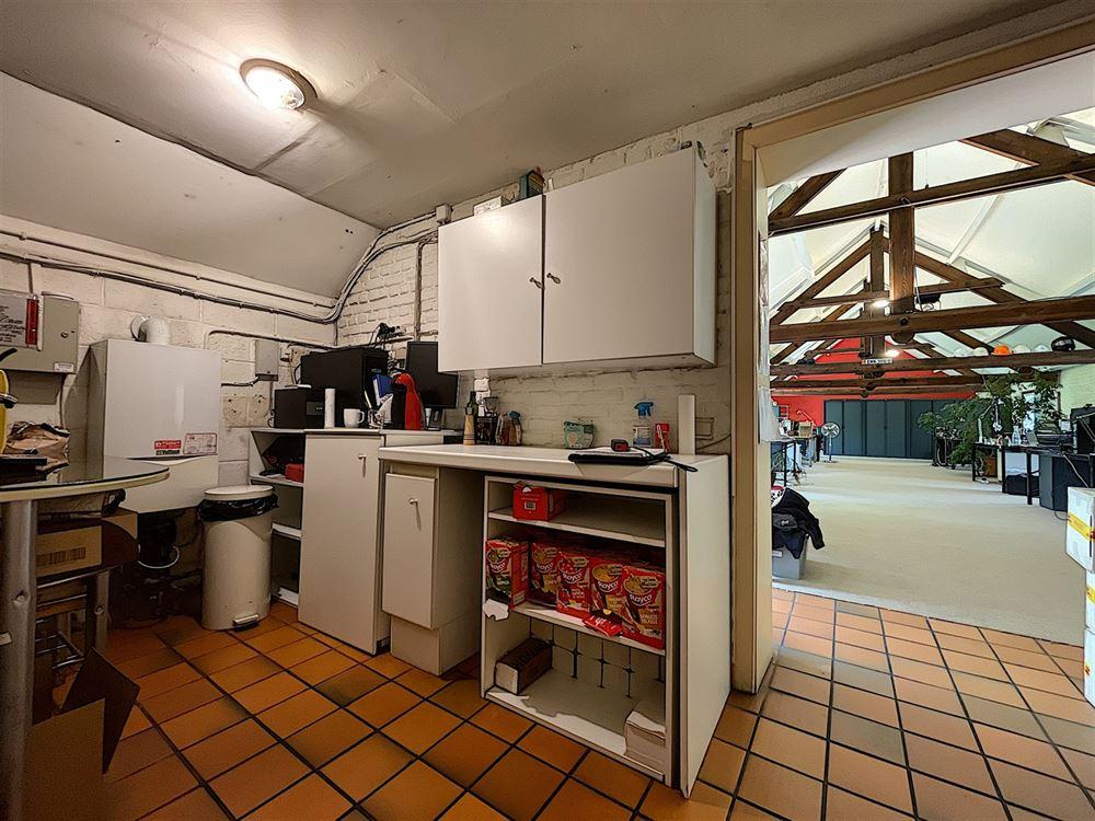 Image 4 : Bureaux (Surface de) à 1428 LILLOIS-WITTERZÉE (Belgique) - Prix 2.500 €