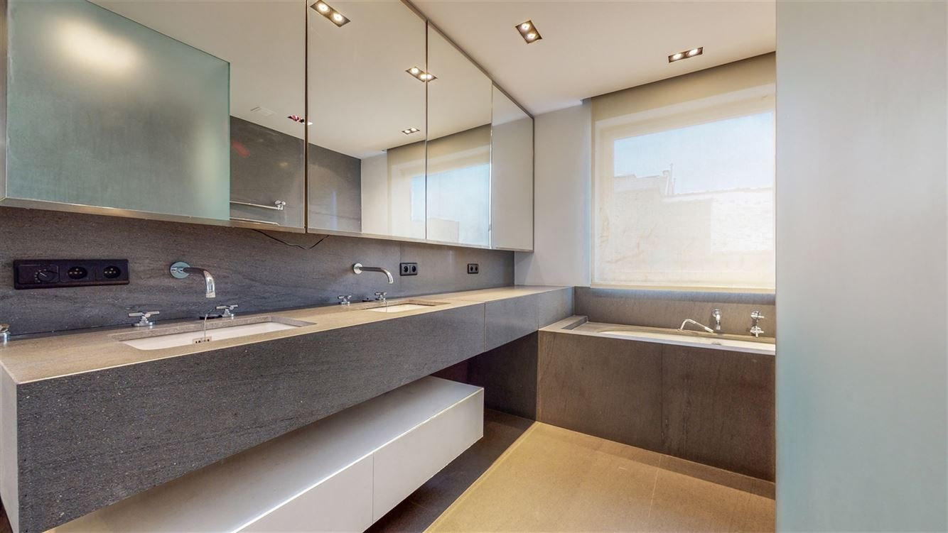 Image 9 : Penthouse à 6000 CHARLEROI (Belgique) - Prix 395.000 €