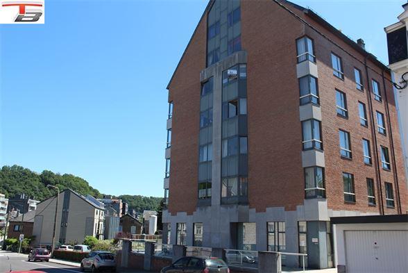 Appartement 2 chambres de 78m² en bon état  idéalement situé dans le centre-ville