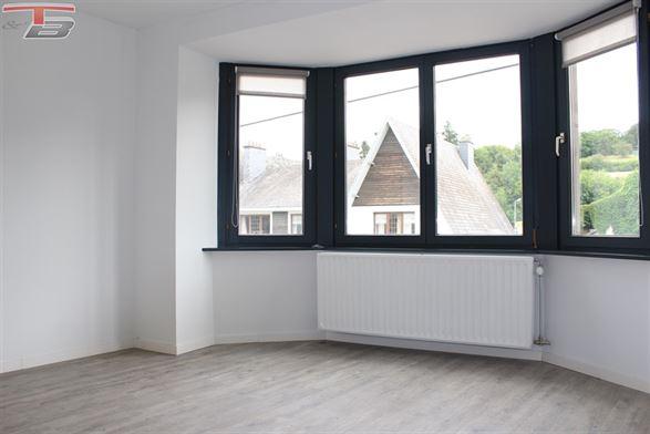 Spacieux appartement 2 chambres en parfait état situé au calme, à 10 minutes de Theux et Spa. Bonne situation calme dans un village proche de Spa.