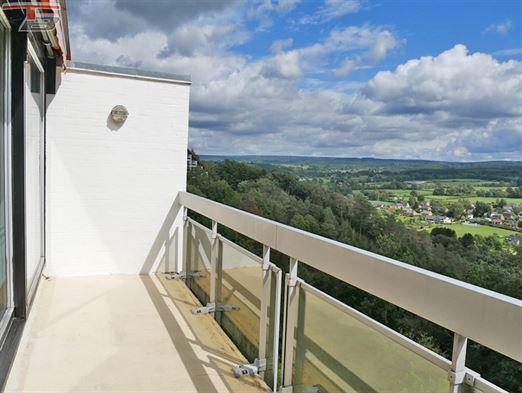 Appartement 2 chambres de 98 m² sis au 5ème avec terrasse exposée plein Sud et vue panoramique sur les fagnes .