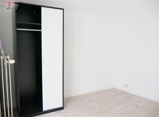 Maison 2/3 chambres de 72m² à rénover dans une impasse à proximité immédiate de toutes commodités.