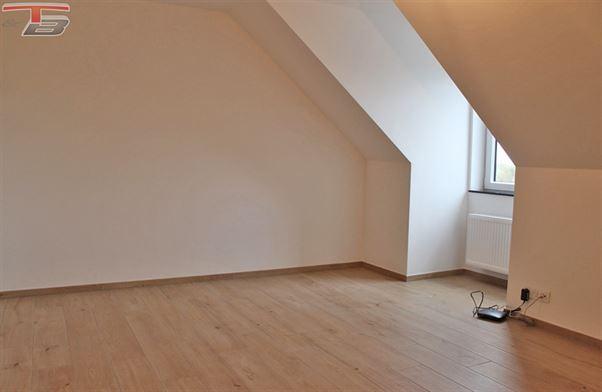 Penthouse 2 chambres + dressing de 146m² habitables avec terrasse de 39m² exposée sud offrant une magnifique vue dégagée !