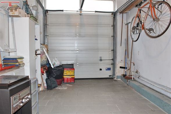 Maison 3 chambres de 108m² en bon état avec garage, terrasse et jardin, proche de toutes commodités. Possibilité frais réduits !