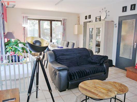 Bungalow 3 chambres de 115m² avec terrasse plein sud et double garage située au calme dans un quartier prisé