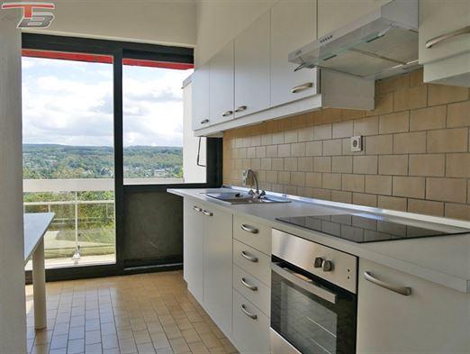 Appartement 2 chambres de 98m² sis au dernier étage avec terrasse plein sud sur les hauteurs de Spa