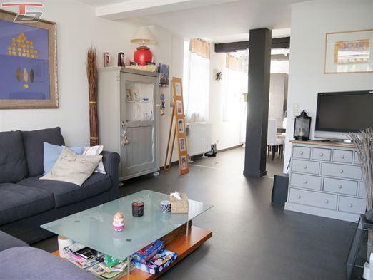 Maison de rapport comprenant 1 commerce et 1 logement 3 chambres idéalement situé face au Pouhon Pierre le Grand !