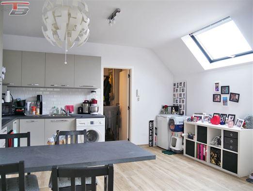 Studio en excellent état avec balcon et vue panoramique idéalement situé dans le centre ville