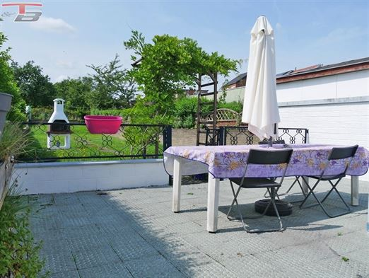 Maison 3 chambres en partie rénovée avec terrasse et jardin orientés sud-ouest, dans un quartier calme sur les hauteurs de Jemeppe. PEB E n° 20210724005610
